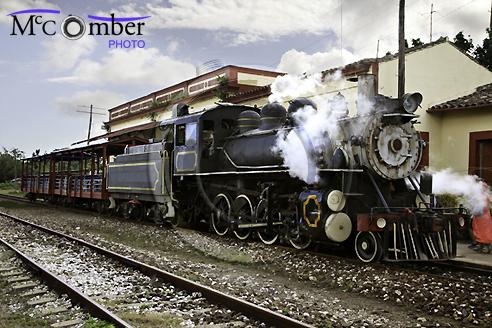Steam train at Remedios Station