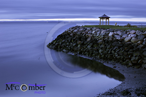 The shores of the Saint-Lawrence at dawn with gazebo